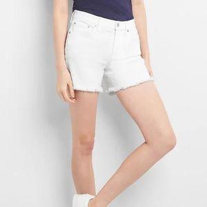 "GAP Relaxed 5"" Denim Shorts with Raw Hem"